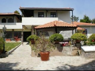 Nice 4 bedroom Eretria Villa with Internet Access - Eretria vacation rentals