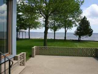 Newly Remodeled Harry's Hideaway on Lake Winnebago - Fond du Lac vacation rentals