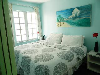 1 bedroom on Ocean drive- sleeps 4 - Miami Beach vacation rentals