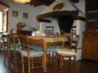 Casa al Prato - a former medieval tower - Gagliano vacation rentals