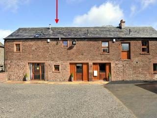 THE OLD GRAINSTORE, family accommodation, character features, woodburner, en-suite bedroom, near Wigton, Ref 18931 - Wigton vacation rentals