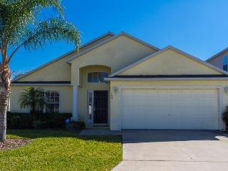 Newly Refurbished 4 Bed 3 Bath 10 Mins from Disney - Auburndale vacation rentals
