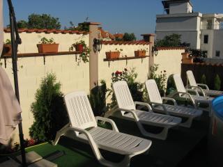 Sunny 5 bedroom Sveti Vlas Villa with Internet Access - Sveti Vlas vacation rentals