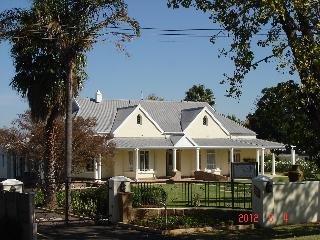 Bright 12 bedroom Bed and Breakfast in Vryheid with Internet Access - Vryheid vacation rentals