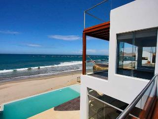 Casa Vikinca Beach House - El Ñuro - Peru vacation rentals