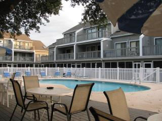 Nice Condo with Deck and Internet Access - Surfside Beach vacation rentals