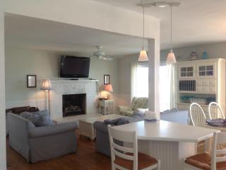 Beachfront Dream Cottage Ocean City NJ (sleeps 9) - Ocean City vacation rentals