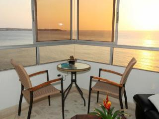 Affordable, modern, beach front apt. w/ocean view. - Cartagena vacation rentals