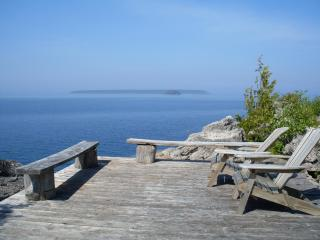 2 bedroom Cottage with Deck in Tobermory - Tobermory vacation rentals