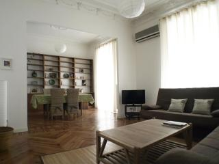 SOL OPERA 2bedrooms, 2bathroms in tourist center - Madrid vacation rentals