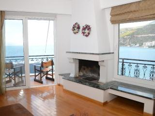 Loutraki - by the beach - amazing view - Loutraki vacation rentals