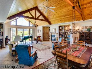 Bright and airy, spacious dog-friendly home on five acres! - Coeur d'Alene vacation rentals