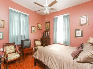 Easy to French Quarter Please See property 513688 - New Orleans vacation rentals