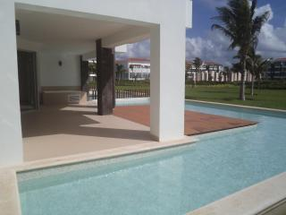 Playa del Carmen Grand Coral Mareazul condo - Playa del Carmen vacation rentals