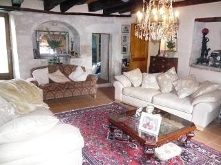 Beautiful 3 bedroom Tarn House with DVD Player - Tarn vacation rentals