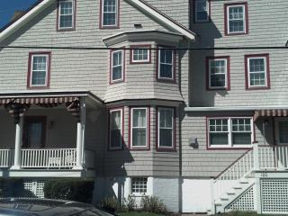 2 BR 2BA RENOVATED CONDO - STEPS FROM THE BEACH! - North Cape May vacation rentals