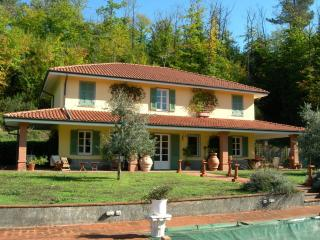 Villa Bolano Villa in Liguria, holiday let in cinqueterre Italy, vacation villa - Bolano vacation rentals