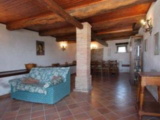 Bright Villa with Internet Access and Satellite Or Cable TV - Fratticiola Selvatica vacation rentals