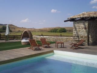 Bioclimatic House with pool + garden for 12 people - Aragon vacation rentals