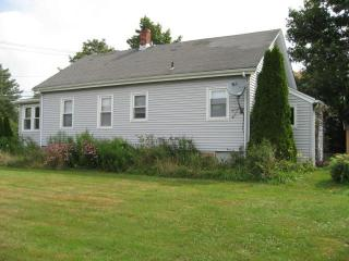 SEA WHALE 3 BEDROOM HOUSE - Middletown vacation rentals