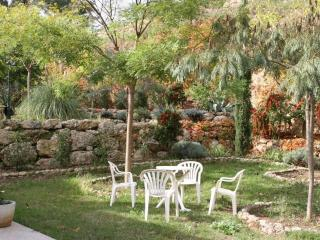Pet-Friendly 2 Bedroom Flat with Terrace, in Aubagne, Provence - Aubagne vacation rentals