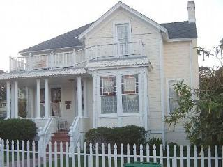 Beautiful Historic  Victorian for your family - Pacific Grove vacation rentals