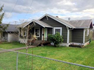 The Vernonia Lake House - Saint Helens vacation rentals