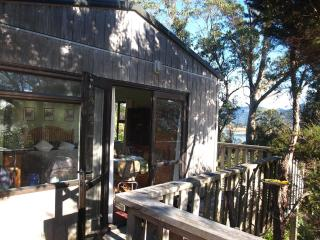 Nice Cottage with Internet Access and Garden - Collingwood vacation rentals