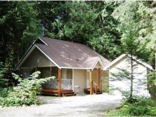 Welcome Road Cabin - 2BR + Loft! - Glacier vacation rentals