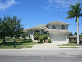 Tropical Island - Large Waterfront Luxury Home - Marco Island vacation rentals