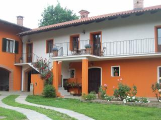 Comfortable 3 bedroom Bed and Breakfast in Prarostino - Prarostino vacation rentals