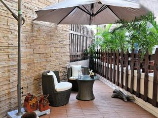 Asian Resort Style with rare Balcony in Hong Kong - Hong Kong vacation rentals