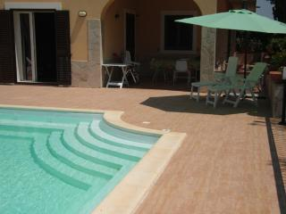 4 BEDROOM BRIGHT VILLA - PRIVATE SWIMMING POOL !!! - Sicily vacation rentals