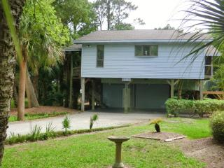 Beach Bums Paradise the Perfect Place for Relaxing - Edisto Island vacation rentals