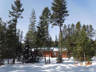 2 miles to West Glacier Park entrance gate! - West Glacier vacation rentals
