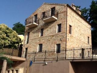 Recently restored stone farmhouse with pool - Cupra Marittima vacation rentals