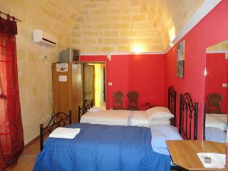Bed and Breakfast Castel del Monte ad Andria - Andria vacation rentals
