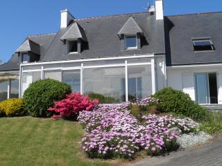 Bright Poullan-sur-Mer Villa rental with Dishwasher - Poullan-sur-Mer vacation rentals