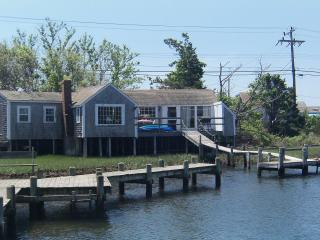 Cottage On River/walk Or Kayak[2] To Beach - Dennis Port vacation rentals