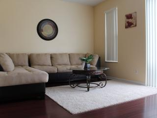 Beautiful Townhome Minutes from Disney Sleeps 8 - Kissimmee vacation rentals