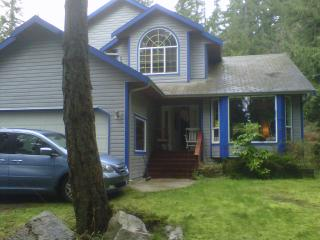 Wonderful 3 bedroom House in Roberts Creek - Roberts Creek vacation rentals