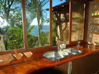 Charming 3 bedroom House in Morro de Sao Paulo with Deck - Morro de Sao Paulo vacation rentals