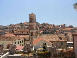 Bright House with Internet Access and Mountain Views - Hvar vacation rentals