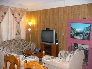 2 bedroom Cabin with Deck in Crestline - Crestline vacation rentals
