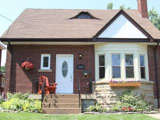 3 bedroom House with Deck in Niagara Falls - Niagara Falls vacation rentals