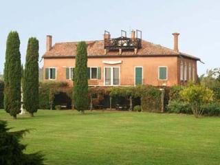 Beautiful Villa with Internet Access and Dishwasher - Torcello vacation rentals