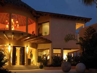 Beautiful Villa with Internet Access and Dishwasher - Cruz de Juanacaxtle vacation rentals