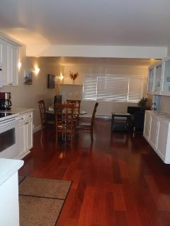 Large groups/Families-sleeps 9- Affordable Luxury! - Victoria vacation rentals