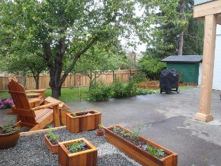 Families- Affordable Luxury!- Privacy- LOCATION!!! - Victoria vacation rentals