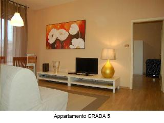 Quiet And Bright Apartment 5 Minutes From Downtown - Bologna vacation rentals